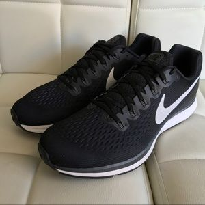 official photos 775a1 26ae1 Men s Nike Shoes Ebay In on Poshmark